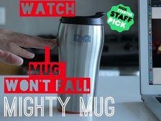 Poderosa taza se agarra a su escritorio cuando es golpeada pero se levanta naturalmente. Impulsada por la tecnología Smartgrip la taza poderosa es una nueva taza más inteligente.