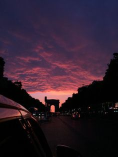 sky, sunset, and clouds image Pretty Sky, Beautiful Sunset, Beautiful World, Photo Pour Instagram, Sky Aesthetic, Travel Aesthetic, Sunset Sky, Look At The Sky, Aesthetic Wallpapers