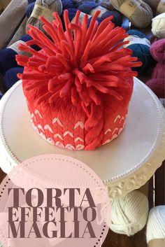"""Inverno alle porte? Vestiamo le torte con un caldo """"maglione"""", semplice da realizzare con l'apposito matterello in vendita nello shop Kikka's Cakes. Le sitruzioni per realizzare questa torta su http://www.kikkascakes.com/ricette-2/torte-decorate/torta-effetto-maglia/"""