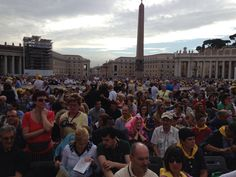 The crowd  waiting for the audience with the pope. In St. Peter's sq.