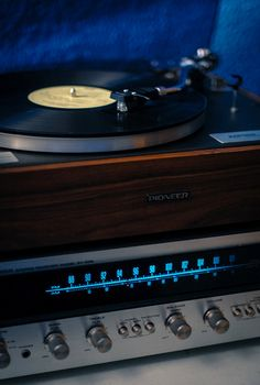 I sooo wish I had this quality of sound in my life again!  I'd choose vinyl any day with gigantic wooden speakers!  The lost art of placing a needle without damaging your album!