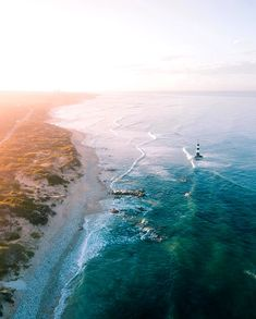 Warm, late summer days make it the perfect time to visit the Eastern Cape ☀️💛 📍 This aerial view over Port Elizabeth's beaches in the Eastern Cape was caught on camera by travel photographer Leon Janse van Rensburg (aka @ltjvrensburg on Instagram.) Click on pic to find PE accommodation. Post via South Africa Tourism @VisitSA_UK Port Elizabeth South Africa, King Beach, Richmond Hill, Holiday Accommodation, Travel Photographer, Late Summer, Summer Days, Aerial View, Tourism