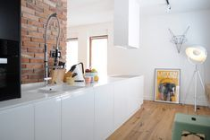 Colorful-apartment-in-Poland-kitchen-cabinets