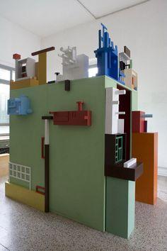 Nathalie Du Pasquier / construction