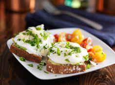 Healthy Smashed Avo & Poached Eggs On Toast Recipe – Kayla Itsines