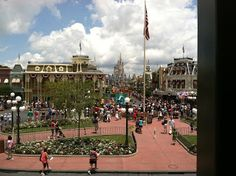 Blog Post: A humorous list of dos and don'ts when visiting Disney World.