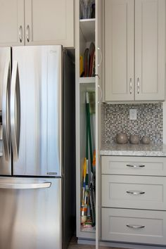Small broom closet cabinet in the kitchen. Small broom closet cabinet in the kitchen. Kitchen Cabinets Height, Kitchen Cabinets In Bathroom, Kitchen Interior, New Kitchen, Kitchen Storage, Kitchen Small, Dressing Design, Kitchen Remodel Cost, Kitchen Remodeling