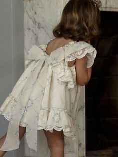 flower girls y niños paje Fashion Kids, Little Girl Fashion, Vintage Kids Fashion, Flower Girls, Flower Girl Dresses, Baby Kind, My Baby Girl, Little Girl Dresses, Girls Dresses