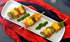 The Veggie Indian: Paneer tikka - made in pan, no oven or grill Indian Food Recipes, Vegetarian Recipes, Snack Recipes, Ethnic Recipes, Snacks, Healthy Recipes, Punjabi Food, Paneer Tikka, Party Finger Foods