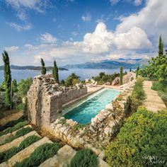 #beautiful #mansion #Italian #limestone #farmhouse #lavender #villa