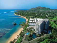 Kahala Hotel and Resort, Oahu... Where I used to work.. Right there on the beach as a cocktail waitress meeting the rich and the famous