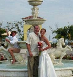 wedding photo bomb....wtf?