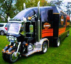 H-D Trike + Trailer.    http://harley-davidson.com/en_US/Motorcycles/tri-glide-ultra.html