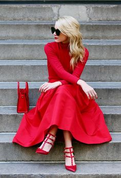 A scarlet red dress like this one worn by Blair Eadie will always afford you a striking and attractive look! Paired with red gladiator heels, this outfit is hot! Brands not specified.