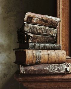 Find your desired rare reserve place, that includes out-of-print books and old books. Find agreed materials, first editions, antiquarian books and even more. Old Books, Antique Books, Vintage Books, Vintage Witch, I Love Books, Books To Read, Comics Und Cartoons, Old Libraries, Book Aesthetic