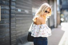 sweatshirts-and-dresses-zara-off-shoulder-top-floral-sandals-chanel-bag-shoreditch-london-fashion-blog-street-style-summer-trend-1