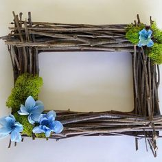 Tevékenységi eset kisállat palackkal - Decoration World Indoor Crafts, Home Crafts, Fun Crafts, Marco Diy, Waste Art, Handmade Frames, Frame Wreath, Arte Floral, Diy Frame