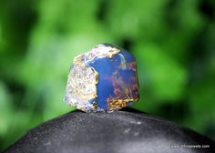 Blue amber from Dominican Republic! Inspired by the modern fashion, natural amber directly from Dominican mines.