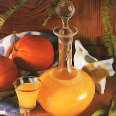 liquore al latte con scorza di arancia