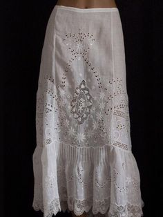 ~ Embroidered Handkerchief Linen Skirt Trimmed with Irish Crochet & Deep Frill . Edwardian Clothing, Antique Clothing, Edwardian Fashion, Vintage Fashion, Antique Lace, Vintage Lace, Vintage Dresses, Vintage Outfits, Vintage Underwear