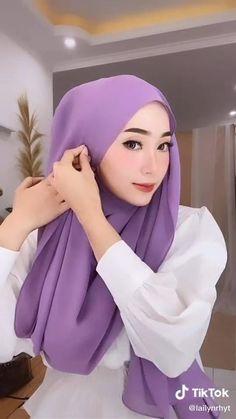 Hijab Turban Style, Mode Turban, Hijab Style Dress, Simple Hijab Tutorial, Hijab Style Tutorial, Street Hijab Fashion, Muslim Fashion, Hijab Fashion Inspiration, Mode Inspiration