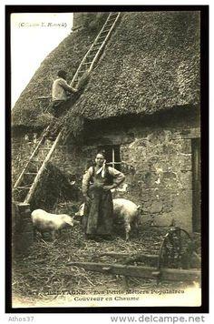 Delcampe – La plus grande marketplace pour les collectionneurs Vintage Pictures, Old Pictures, Old Photos, Photo Bretagne, Fantasy Village, Brittany France, Old Paris, Old Photography, Old Images