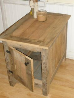 Barn wood end table by ERHWoodworking on Etsy, $200.00