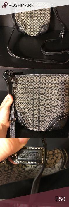 Gently used Coach cross body purse Small cross body Coach purse. Gently used. In great condition. Authentic. Coach Bags Crossbody Bags