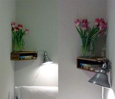 Caixas de arquivo em madeira, como prateleiras de canto...    Fonte:  http://storageandglee.blogspot.com.br/2010/04/bedside-shelf-cleverness.html