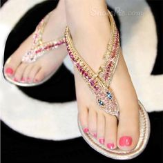 Shining Design PU Upper Flat Heels Thong Sandals