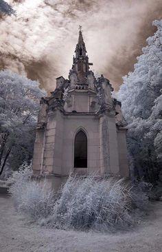 Ghost Writer - Château de la Mothe-Chandeniers, France.