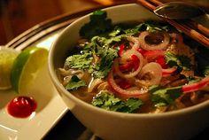 La recette du phở, le plat national vietnamien
