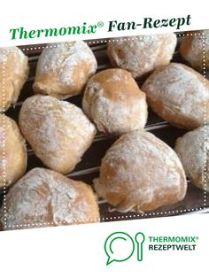 Fluffy wholemeal rolls for the entire household by A Thermomix ® recipe from the class bread & rolls at www.de, the Thermomix ® Group. Cooking Bread, Bread Baking, Baking Cakes, Baking Desserts, Baking Recipes, Baking Wallpaper, Valentines Baking, Baking Utensils, British Baking