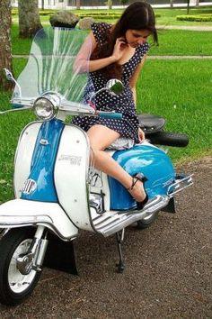 Scooter Girl Vespas 117