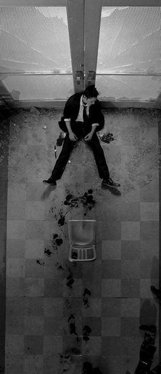 [Lucifero è apparso a Constantine dopo che quest'ultimo si è tagliato le vene]   Constantine: Permetti? [prendendo il pacchetto di sigarette]   Lucifero: Oh, fa pure, sono un loro azionista.   Constantine: Chiodi di bara ...   Lucifero: Molto adatto, John.