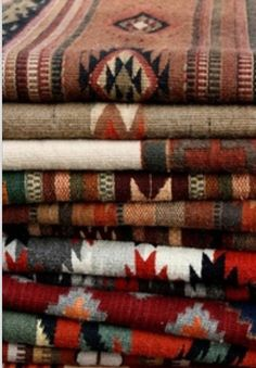 Navajo textiles I have some we brought home from out West. Southwest Decor, Southwest Style, Southwestern Decorating, Southwest Bedroom, Southwest Fashion, Indian Blankets, Mexican Blankets, Navajo Rugs, Navajo Weaving