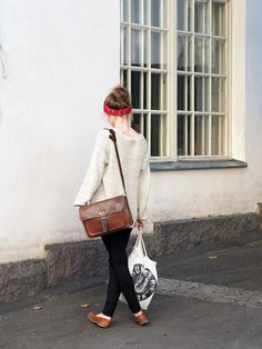 Oversized sweater, black skinnies, vintage brown leather accessories, hair bandanna