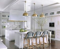 Photo 11 of 11 in Hampton's House by Mitchell Wall Architecture & Design - Dwell Modern Farmhouse Kitchens, Home Kitchens, Layout Design, Design Ideas, Traditional Lighting, Kitchen Cabinet Colors, Brass Kitchen, Kitchen Cabinetry, Cuisines Design