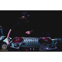 @djmousebr quebrando tudo  - Dj NUTS 10/07 no Brasuca #hiphop #rapnacional #paralelourbano #music #sonoridades #brasuca #bolachassonoras #musicaboa #seletas #powpowpow #discotecagem #mestre #conexao011 #realdjs #turntablism #djs paralelo urbano by paralelourbano http://ift.tt/1HNGVsC