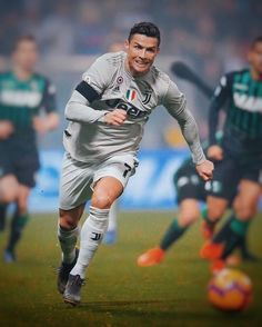Looking for New 2019 Juventus Wallpapers of Cristiano Ronaldo? So, Here is Cristiano Ronaldo Juventus Wallpapers and Images Cristiano Ronaldo Cr7, Cristiano Ronaldo Wallpapers, Cristano Ronaldo, Ronaldo Football, Manchester United Ronaldo, Cr7 Wallpapers, Juventus Wallpapers, Liga Soccer, Ronaldo Photos