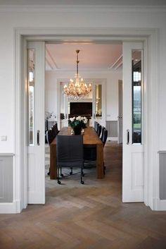 French white oak light brushed white oiled with a for Klassiek modern interieur