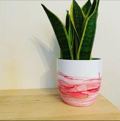 Concrete Plant Pots, Indoor Plant Pots, Ceramic Planters, Potted Plants, Alcohol Ink Tiles, Alcohol Ink Crafts, Alcohol Ink Painting, Alcohol Inks, What Is An Alcoholic