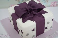 Cotton and Crumbs' purple present cake Bow Cakes, Fondant Cakes, Cupcake Cakes, Cupcakes, Gift Box Cakes, Gift Cake, Luxury Wedding Cake, Wedding Cakes, Bolo Channel