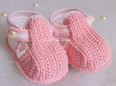 """Sapatinho de crochê para bebe ~ """"Crochê da Mimi"""""""