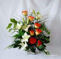 PARADISE FLORAL STUDIO: Christmas - floral arrangements