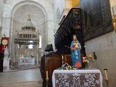 Interior da Catedral de São Lourenço-Trogir-Costa Dálmata