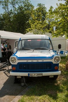 Ford Transit Source by jobboersmafotografie Ford Transit Camper, Old School Vans, Commercial Vehicle, Mk1, Old Cars, Caravan, Army, Classic, Vehicles