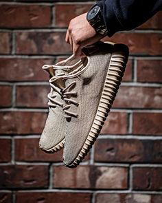 airville:  #YEEZYSZN   Best color-way to date in my opinion.Image Via: NK