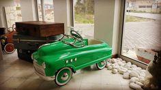 #alaçatı#çeşme#izmir#çarşamba#şubat#araba#antika#hediye#koleksiyon#fotoğraf#butikotel#wednesday#february#antique#car#collection#collector#gift#green#photo#instadaily#instalike#instapict by sadealacatibutikotel