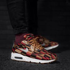 Roundel by London Underground x Nike Air Max 90